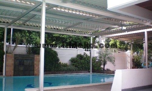 Atap_kolam_renang_buka_tutup1